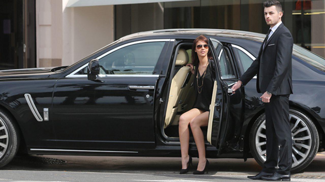Hire a Luxury Chauffeur