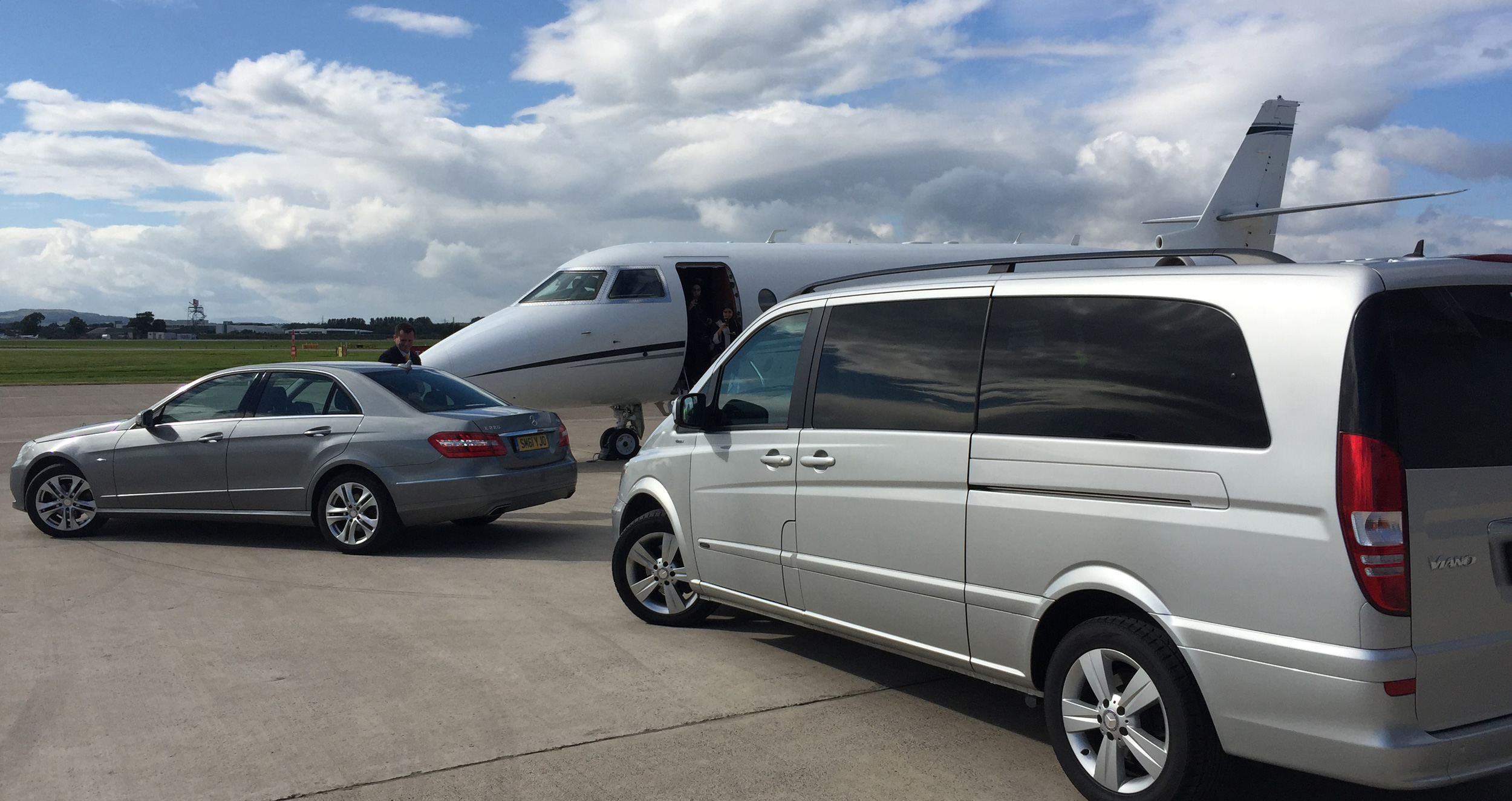 Oxford to Luton airport service car